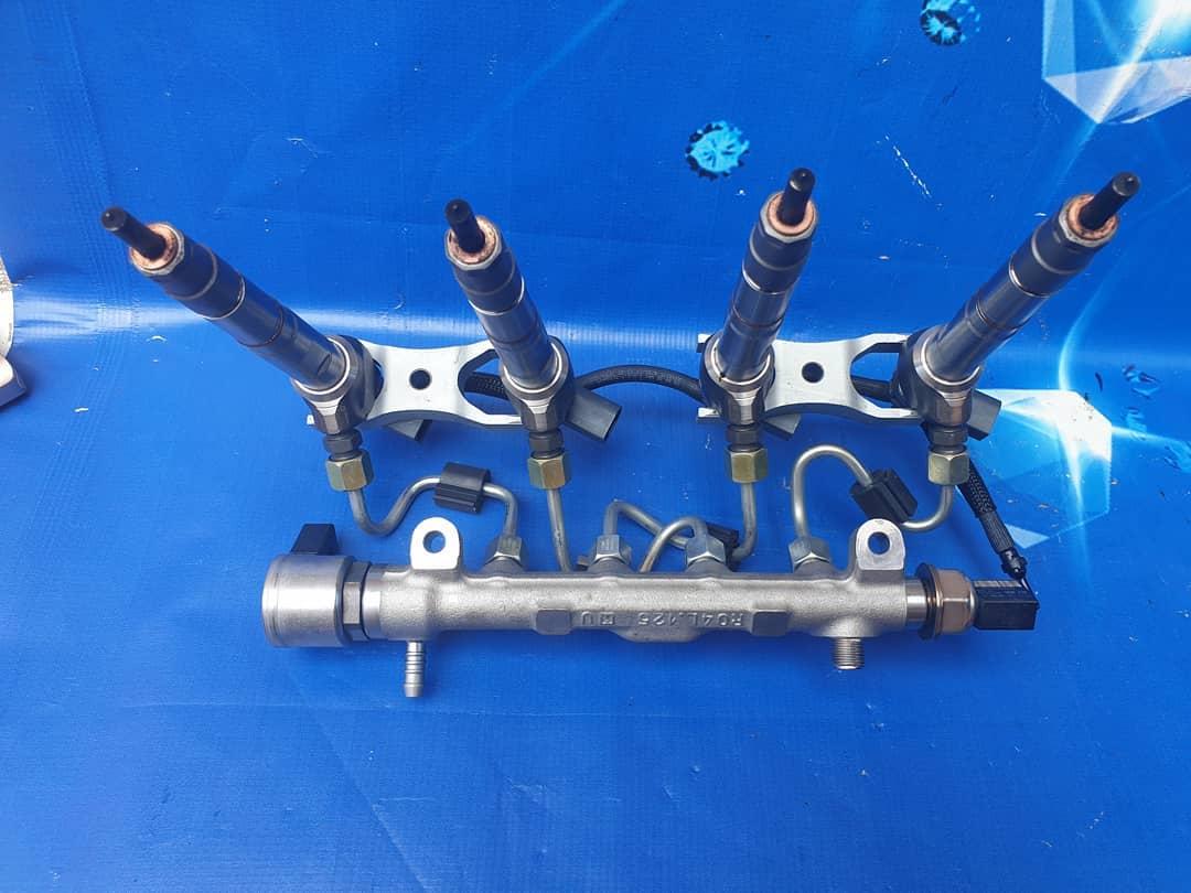 Rampa + injectoare VW Touran