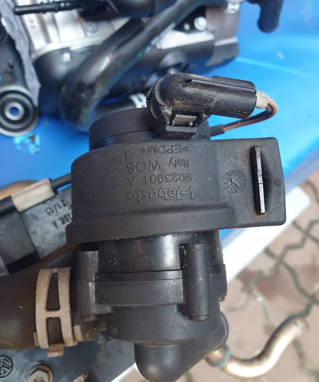 Pompa recirculare apa VW TOURAN ll VW T-ROC