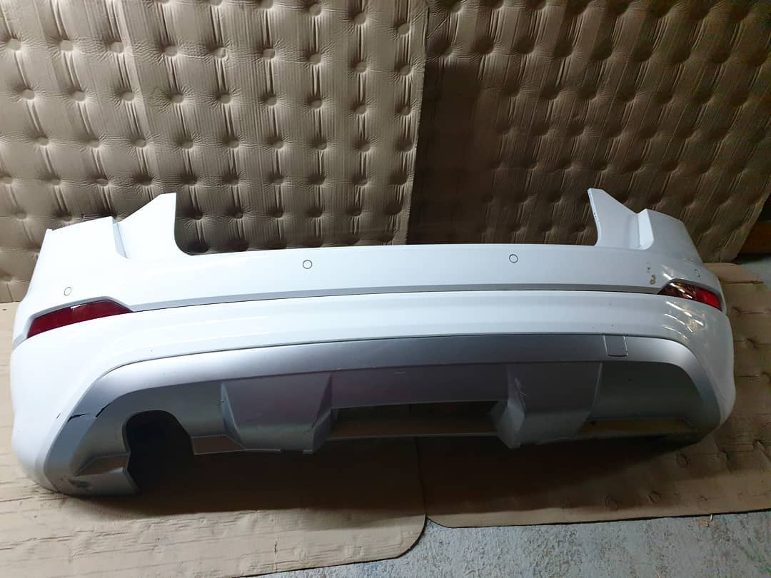 Bara spate completa Audi Q2