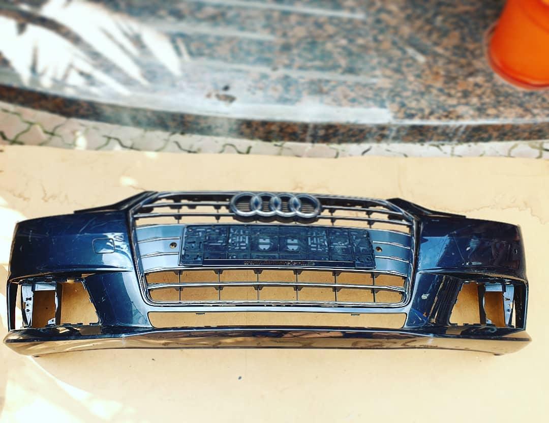Bara fata Audi A4 B9 2016/2019 cu 4 senzori parcare !