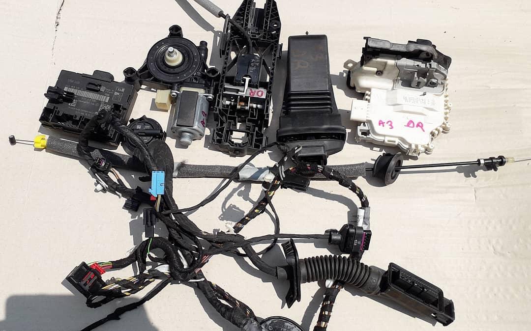 Modul, balama, broasca, incuietoare, senzor impact, motoras instalatie si maner usa dreapta Audi A3 8V