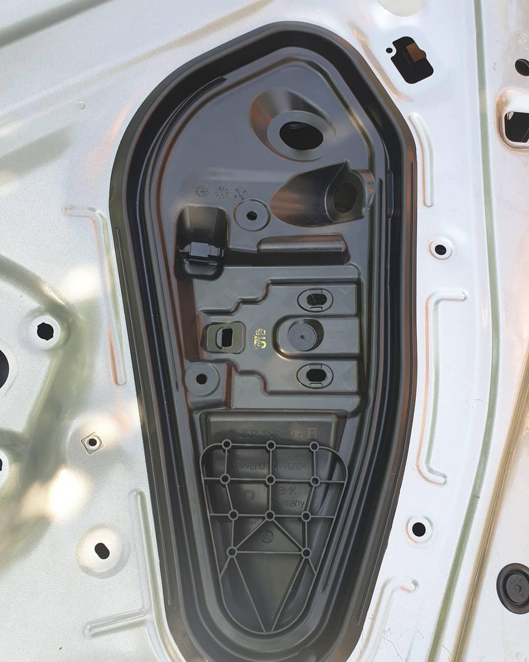 Plastic usa spate dreapta VW Arteon 2018