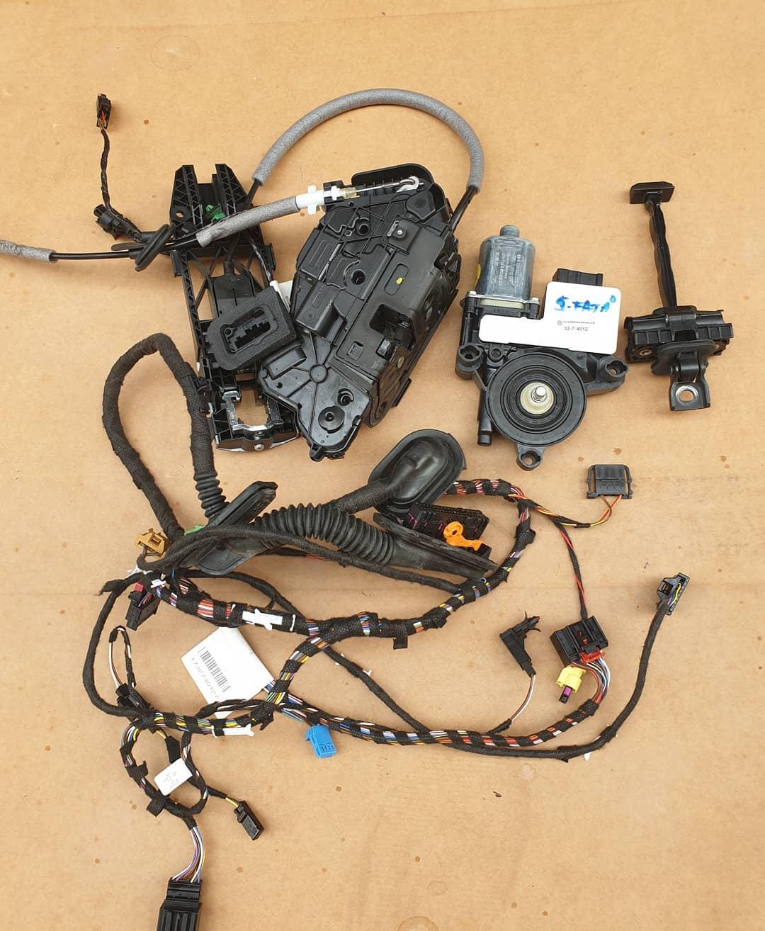 Polo Vl Motoras geam, balama, broasca, incuietoare, senzor impact, instalatie si macara geam usa stanga fata.