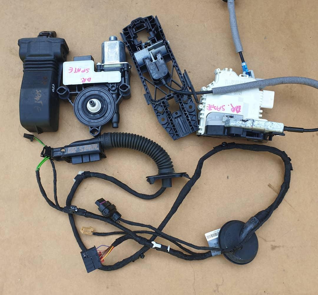 Incuietoare, broasca, balama, motoras si instlatie usa dreapta spate Audi Q2