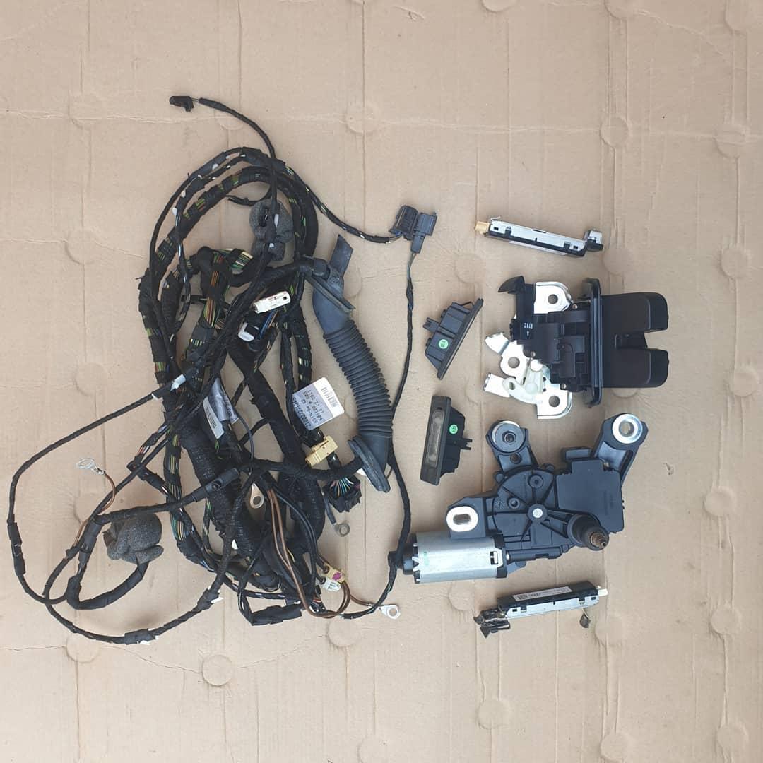 Plastice hayon, broasca, motoras stergator lampi ilumimare numar, instalatie, amplificator: