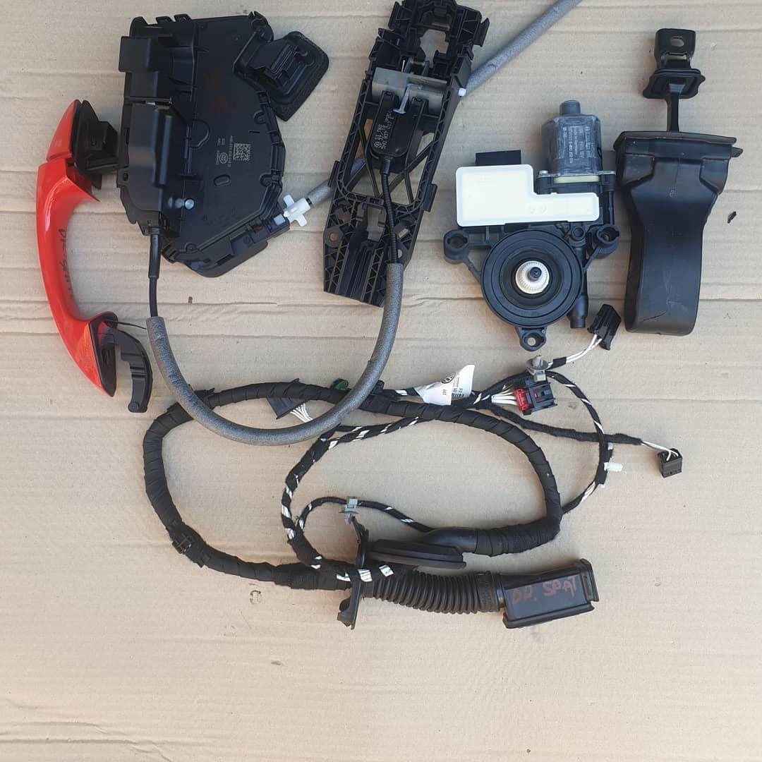 VW T-Roc Macara geam, motoras geam, broasca, incuietoare , balama, maner, instalatie, plastic usa dreapta spate!