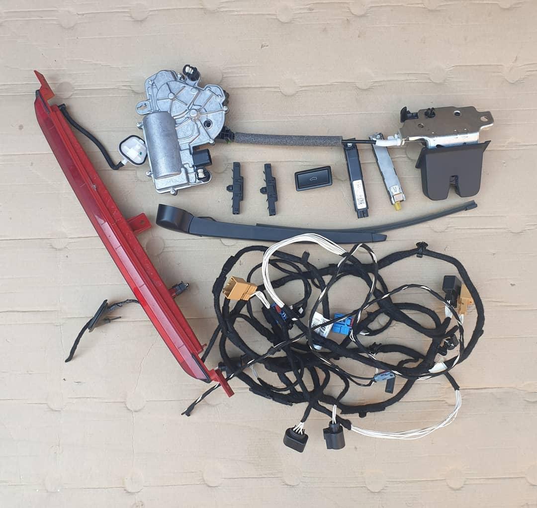 VW T-Roc Hayon Triple led Plastice hayon, camera marsalier, instalatie, motoras stergator, stergator, broasca, incuietoare, amplificator.