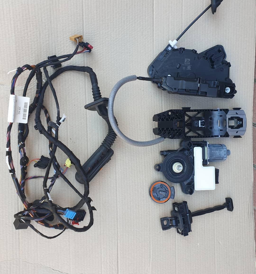 VW Polo Vl Senzor impact, balama, instalatie, broasca, incuietoare, motoras geam, macara geam, plastic usa stanga fata !