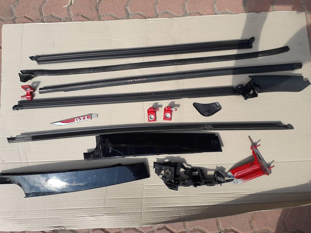 Accesorii usi Golf VII GTI Bandou,stema,balama,suport bara