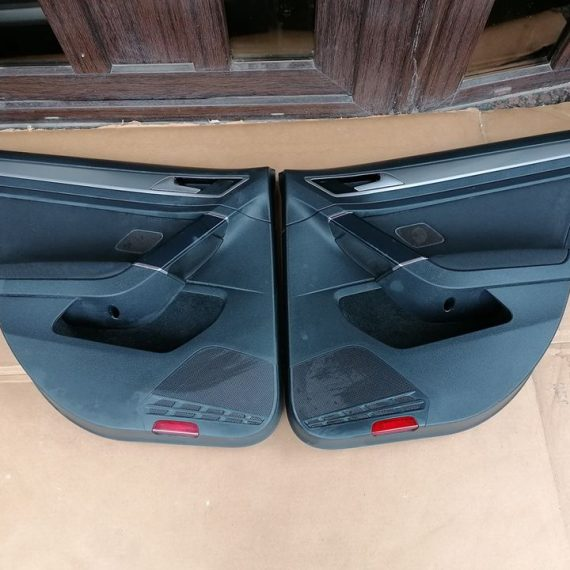 VW Golf Vll Fete usi spate