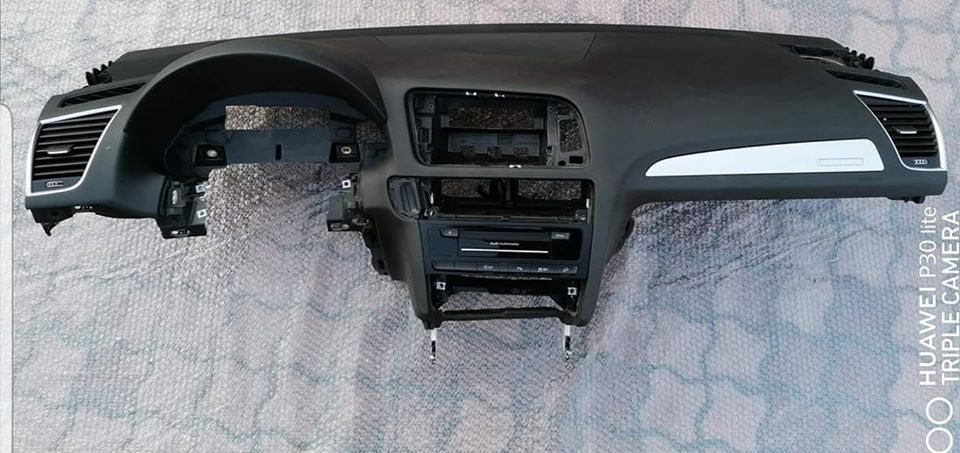 Plansa bord Audi Q5 8R 2013