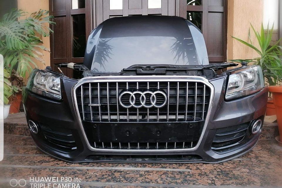 Fata completa Audi Q5 8R 2013